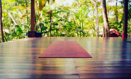 Йога: трансформация сознания через работу с телом