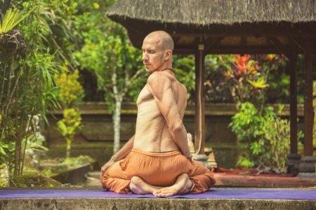 Польза практики йоги для мужчин