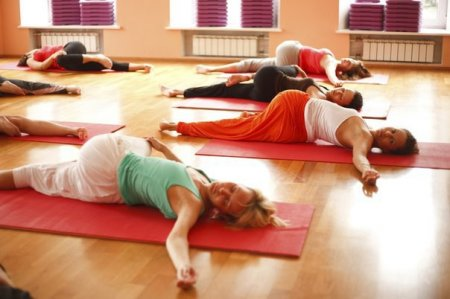 Боль во время практики йоги: терпеть или прекращать?