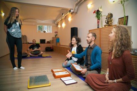 Поздравляем выпускников с окончанием обучения на курсе подготовки профессиональных преподавателей йоги